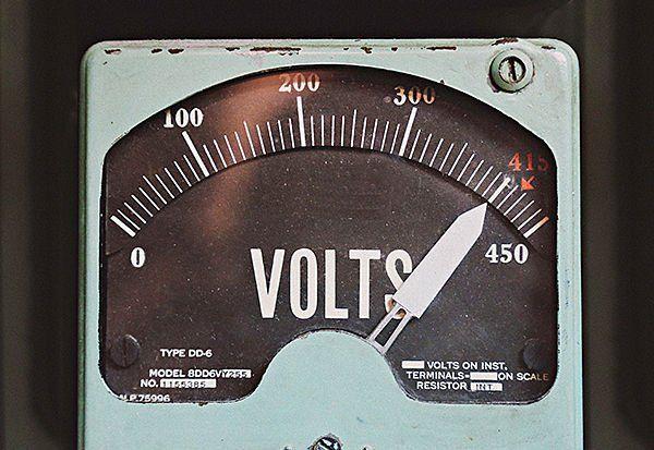 high_voltage-estim